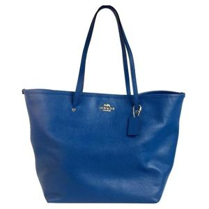 Coach authentic pebble leather large tote bag